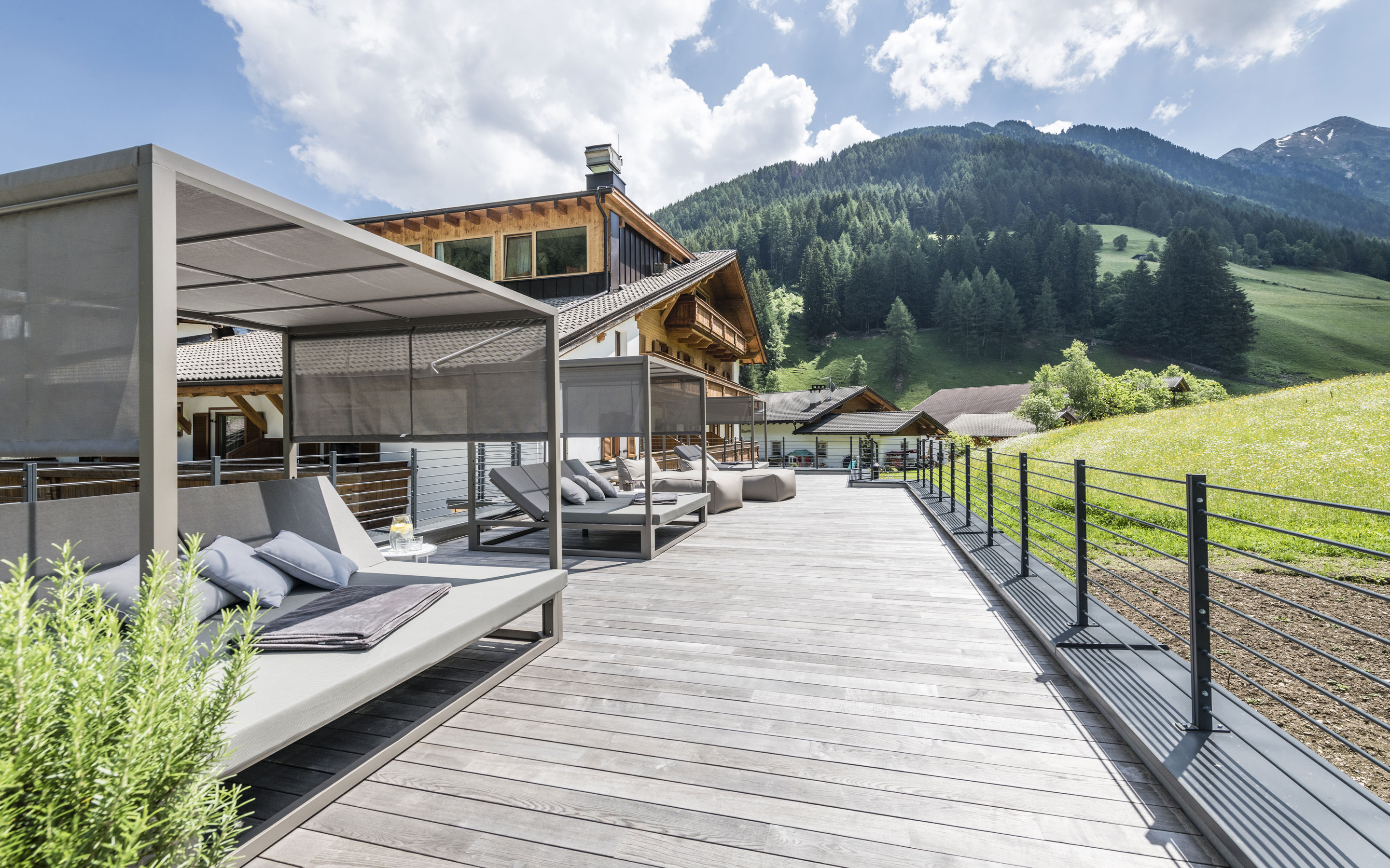 A Hotel With Sauna In South Tyrol The Jaufentalerhof